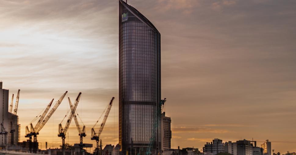 job demand in Queensland's commercial construction sector in 2021